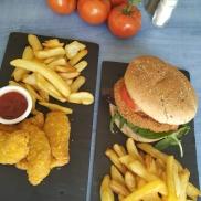 Aiguillettes et burger de poulet